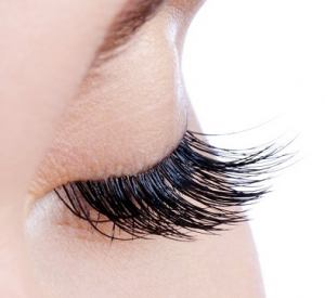 lash lifting at suzanne's beauty salon in Coventry